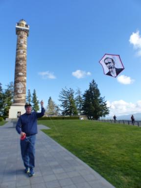 Jim Mockford flies kite at Astoria Column